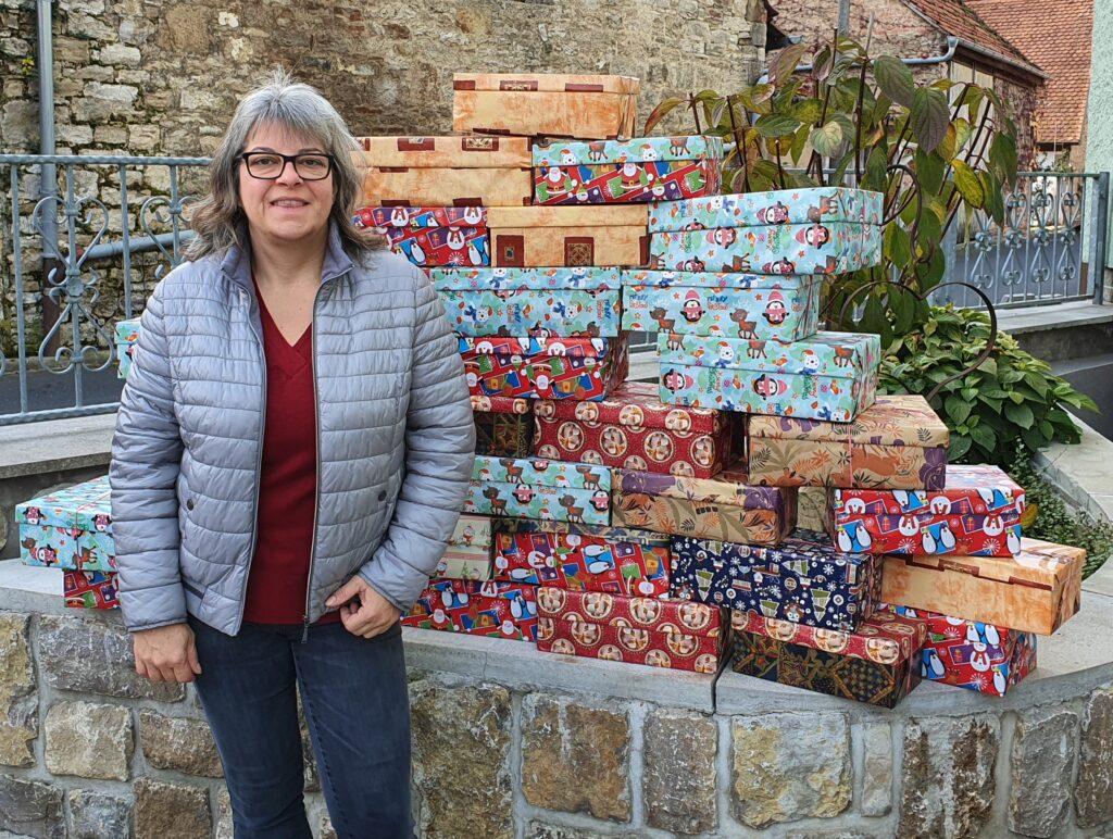 """Pakete für die """"Weihnachten im Schuhkarton"""" Aktion"""